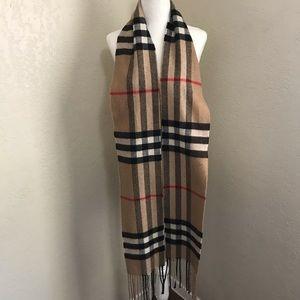 Women's Burberry scarf